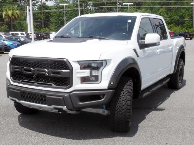 Pre-Owned 2017 Ford F-150 Raptor SuperCrew 4WD
