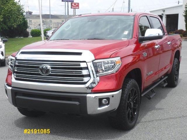 New 2019 Toyota Tundra 4WD Limited CrewMax With Navigation & 4WD