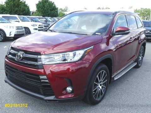 New 2018 Toyota Highlander SE AWD