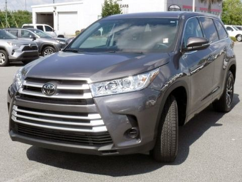 Certified Pre-Owned 2018 Toyota Highlander LE