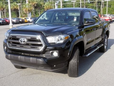 Certified Pre-Owned 2017 Toyota Tacoma SR5 Double Cab V6